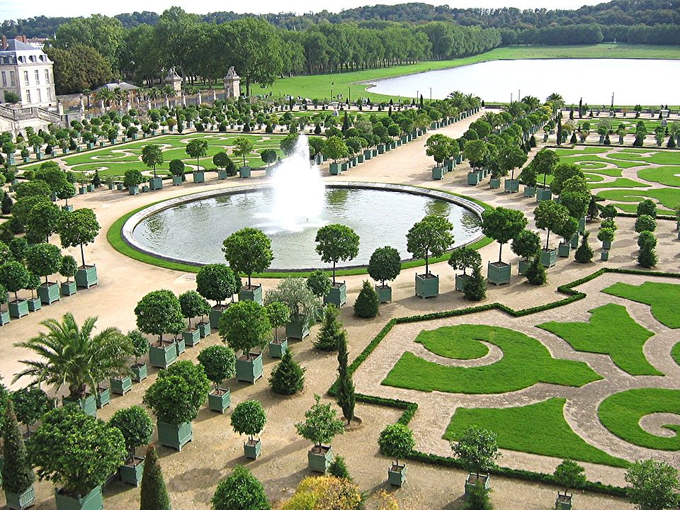 Photo of the Orangerie at Versailles, to demonstrate what Edmund Burke disapproved of in garden design